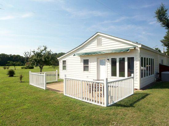 323 Porpoise Cove Ln, Deltaville, VA 23043