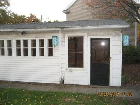 39 Lonsdale Ave, Attleboro, MA 02703
