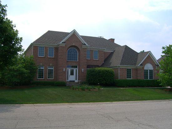 301 Cobblestone Ct, Lake In The Hills, IL 60156