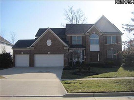 15295 Old Oak Dr, Strongsville, OH 44149