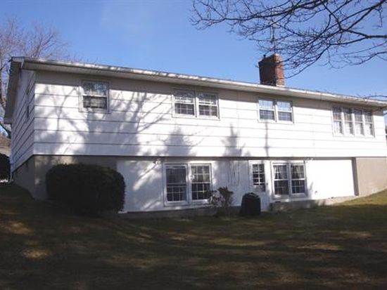 84 Alfred Dr, Pittsfield, MA 01201