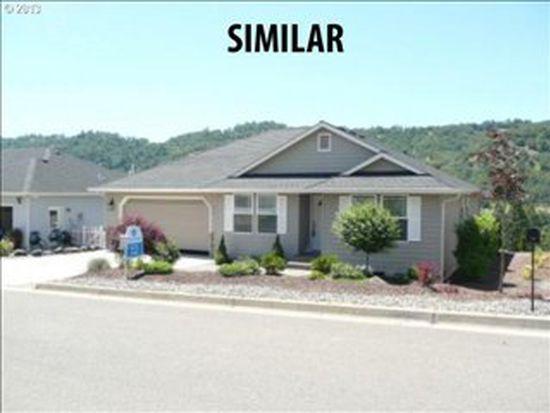 898 SE Fairway Dr, Myrtle Creek, OR 97457
