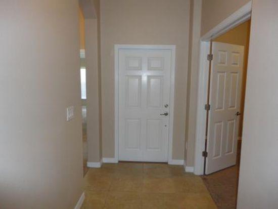 2305 Lawrence Hall St, Ruskin, FL 33570
