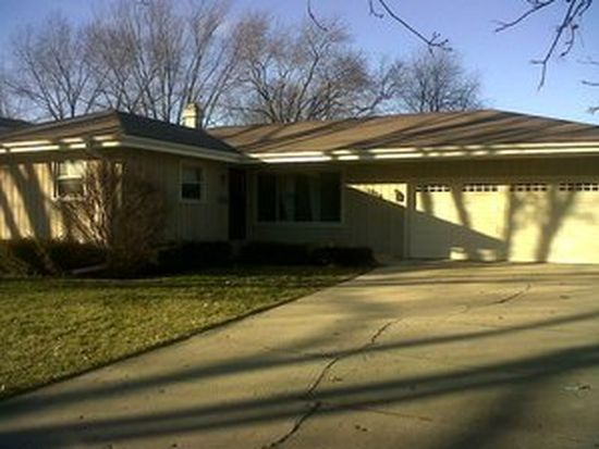 1828 Country Knoll Ln, Elgin, IL 60123