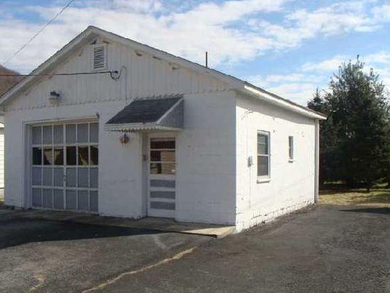 906 Hughart Ave, Rainelle, WV 25962
