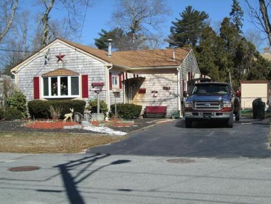 1115 Pequot St, New Bedford, MA 02745