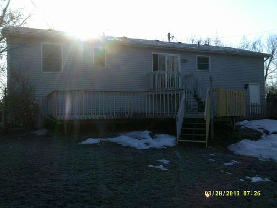 117 Eastlake Dr, Lakemoor, IL 60051