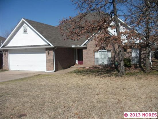 4020 S Rolling Oaks Dr, Tulsa, OK 74107