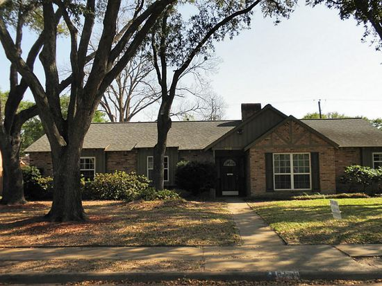 8119 Braes Meadow Dr, Houston, TX 77071