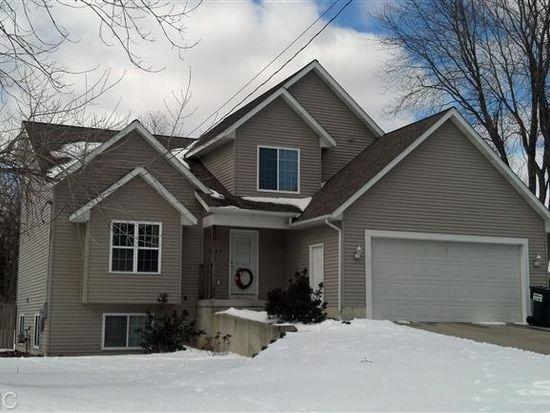 3565 Balsam Ave NE, Grand Rapids, MI 49525