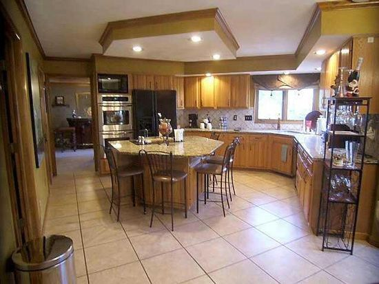 1175 Three Forks Dr S, Westerville, OH 43081