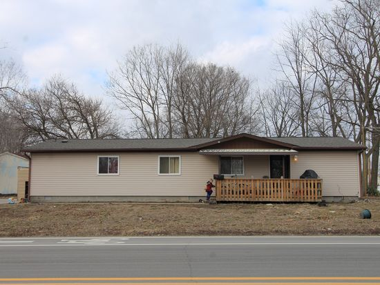 1047 E Smith St, Warsaw, IN 46580