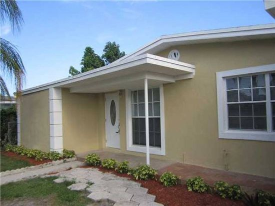 1432 W Bloxham St, Lantana, FL 33462