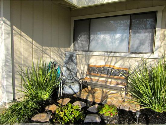 1373 Echo Pl, Woodland, CA 95776
