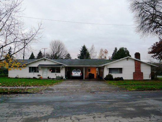 320 G St, Springfield, OR 97477