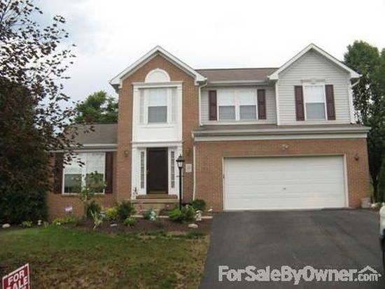 1034 Maplewood Dr, Canonsburg, PA 15317