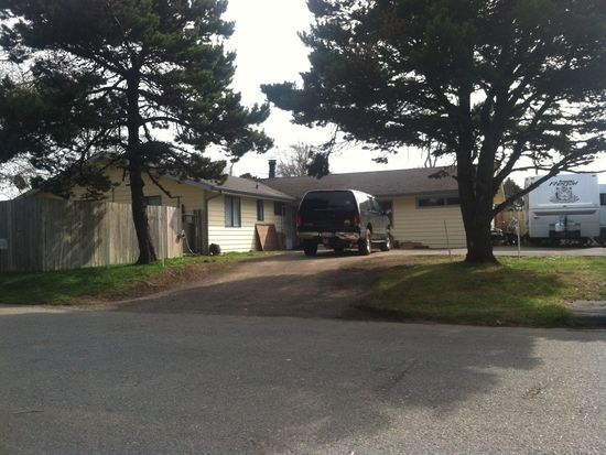 575 Childs Ave, Crescent City, CA 95531