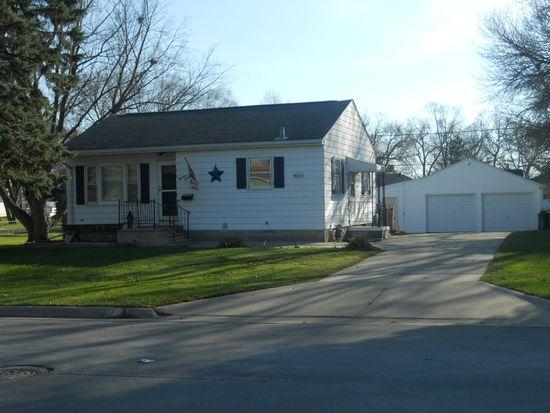 1832 Lorraine Ave, Waterloo, IA 50702