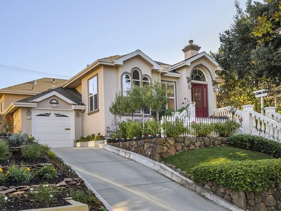 2113 Hillside Dr, Burlingame, CA 94010