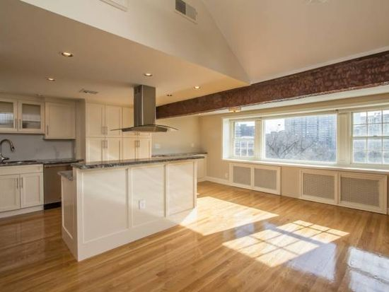 36 Beacon St, Winthrop, MA 02152