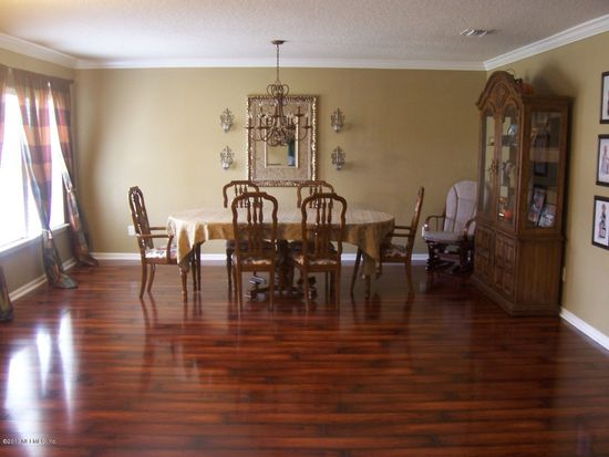 1557 Dunns Lake Dr E, Jacksonville, FL 32218