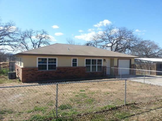 447 Elm Dr, Kingsland, TX 78639