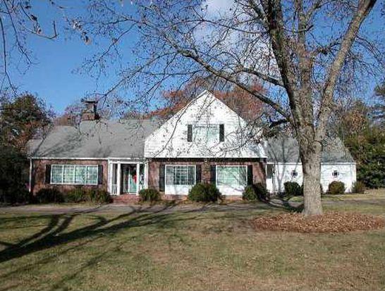 340 Dixon Dr, Gainesville, GA 30501