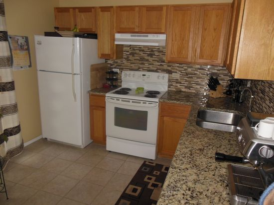 164 S Waters Edge Dr APT 102, Glendale Heights, IL 60139