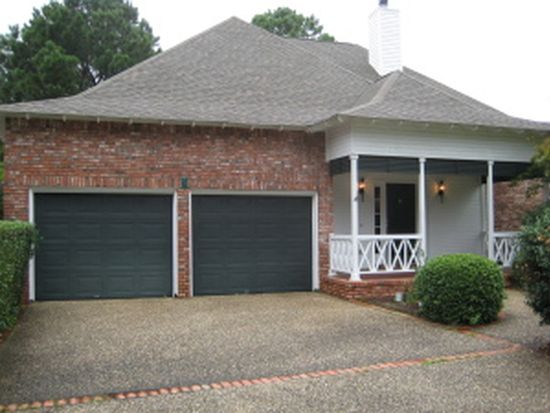 19 Stones Throw Dr, Hattiesburg, MS 39402
