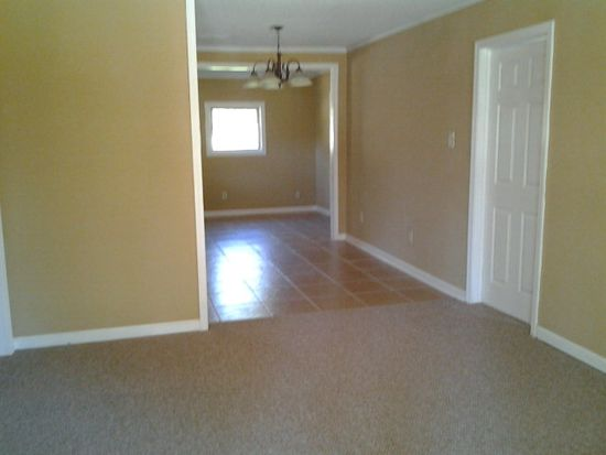 1613 Beverly Ave, Albany, GA 31705