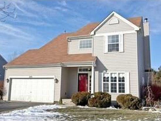 1474 Woodscreek Cir, Crystal Lake, IL 60014