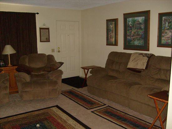 1565 Villa Ct, Highland, CA 92346