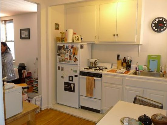 302 96th St APT 1U, Brooklyn, NY 11209