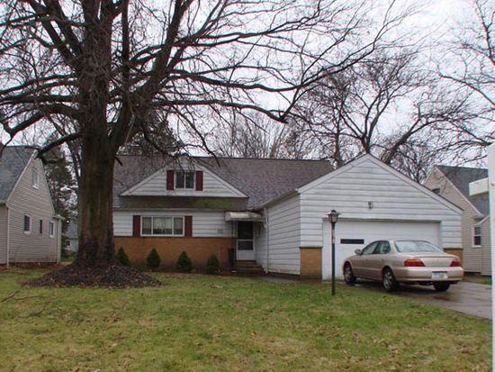 5212 Thornbury Rd, Cleveland, OH 44124