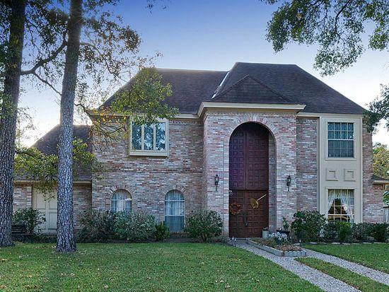 15711 Autumnbrook Dr, Houston, TX 77068