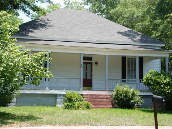 303 S Smith St, Sandersville, GA 31082