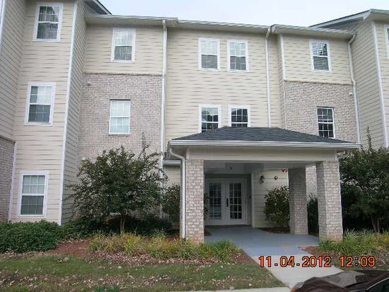 2802 Shades Valley Ln, Gainesville, GA 30501