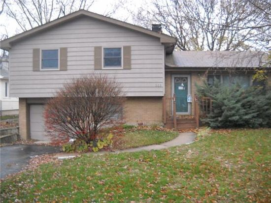 203 Oakleaf Rd, Lake In The Hills, IL 60156
