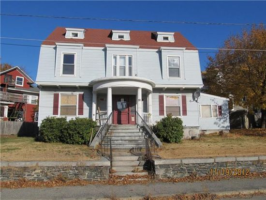 52 Colonial Ave, Lowell, MA 01854