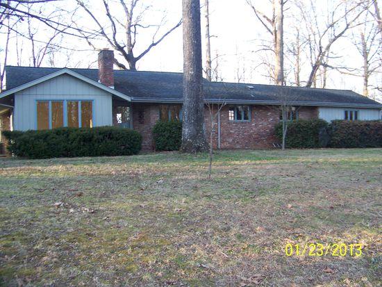1024 W Outer Dr, Oak Ridge, TN 37830