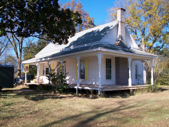 37 Bayview Rd, Hartwell, GA 30643