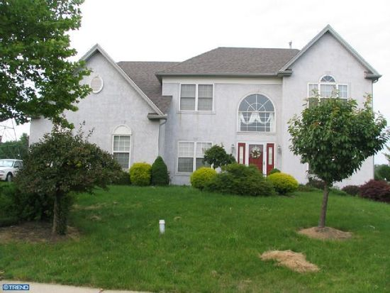 332 Regency Dr, North Wales, PA 19454