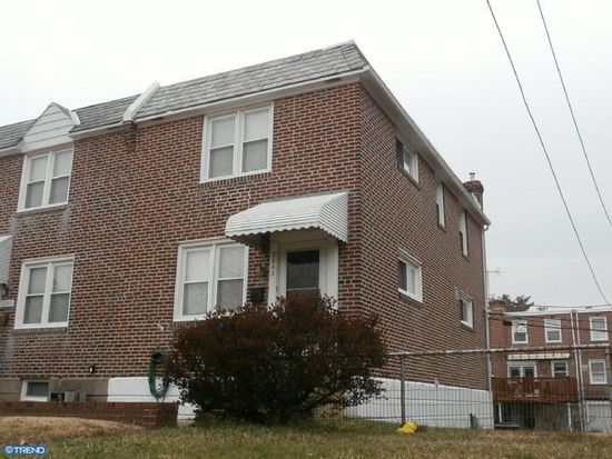 2263 S Harwood Ave, Upper Darby, PA 19082