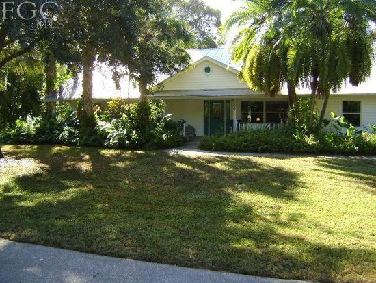 60 Aqua Ln, North Fort Myers, FL 33903