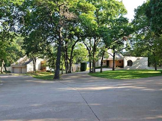 1704 Woodhill Rd, Edmond, OK 73025