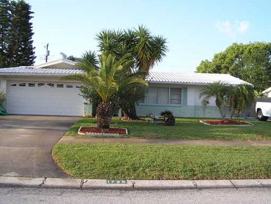 1726 Prince Philip St, Clearwater, FL 33755