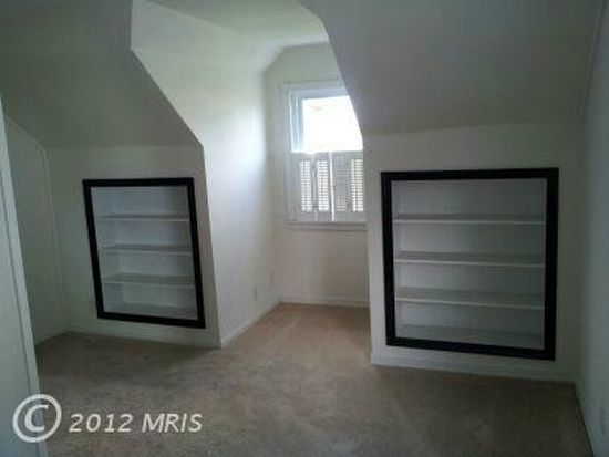 3116 Sollers Point Rd, Baltimore, MD 21222