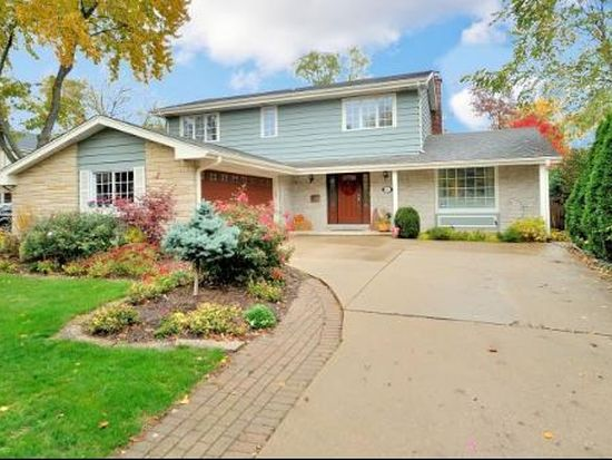 201 S Prospect Ave, Clarendon Hills, IL 60514