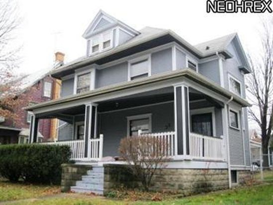 38 Grand Ave, Akron, OH 44303