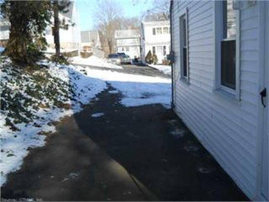 26 Charles St, West Haven, CT 06516